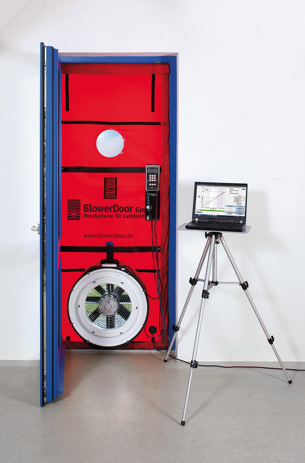 Blower door légtömörségmérő készülék